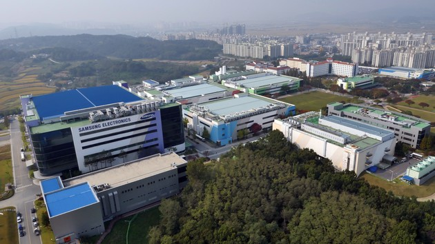 Samsung Foundry: New intermediate step at 11 nm, 7 nm with EUV on schedule